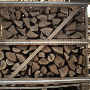 "Kiln Dried Oak 10"" Logs in Crate plus a FREE JUMBO BAG KINDLING & SAMBA FIRELIGHTERS (64)"