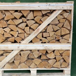 Kiln Dried Silver Birch 10″ Logs in Crate plus a FREE JUMBO BAG KINDLING & SAMBA FIRELIGHTERS (64)